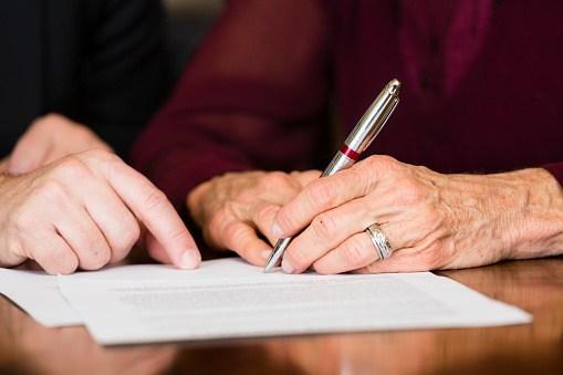 modelo 660 firma personas mayores