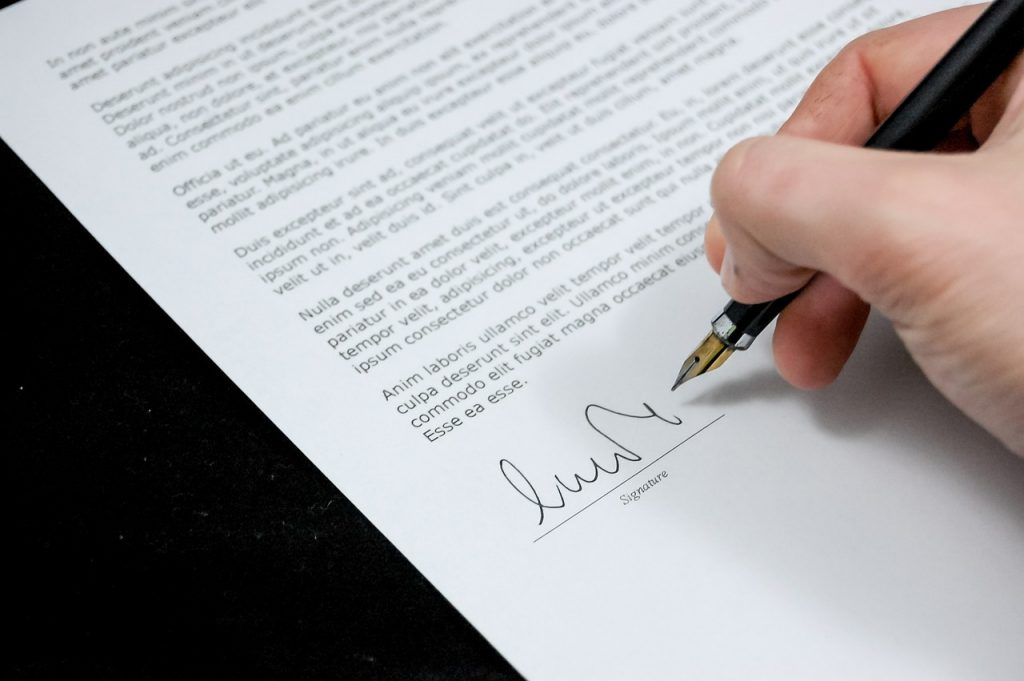 modelo de contrato de trabajo firma estampada